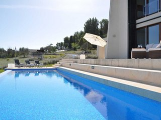 Nice Cottage with Internet Access and Washing Machine - Sant Joan vacation rentals