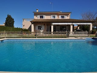 4 bedroom Villa with A/C in Sa Coma - Sa Coma vacation rentals