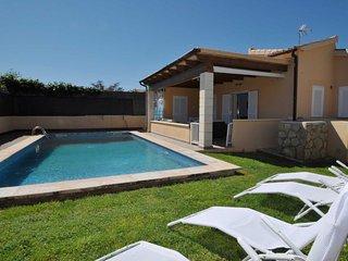 Comfortable Villa with Internet Access and Washing Machine - Valdemorillo vacation rentals