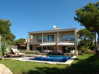 Nice Villa with Internet Access and A/C - Santa Ponsa vacation rentals
