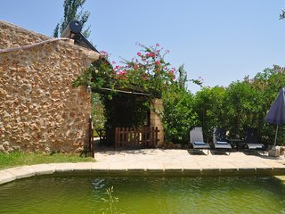 2 bedroom Cottage with Washing Machine in Llubi - Llubi vacation rentals