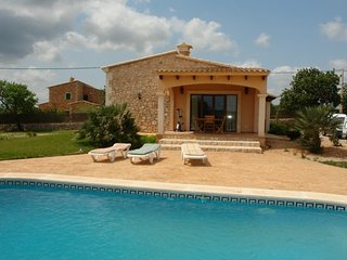 Wonderful Cottage with Internet Access and A/C - Cala d'Or vacation rentals