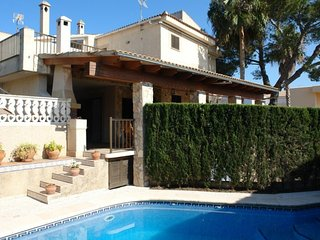 R-1615 - Playa de Muro vacation rentals