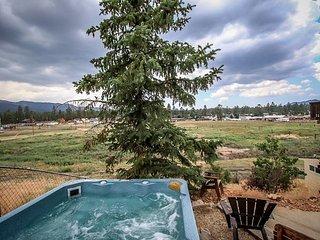 WOW! DISCOUNTED! 14 ppl! SPACIOUS   NICE!   4 STAR CABIN. 5 bed, 4 ba HOT TUB - Big Bear City vacation rentals