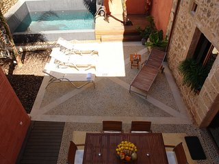 Sunny House with Internet Access and Washing Machine - Pollestres vacation rentals