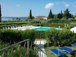 Casa Petra e Franco Deluxe Villa with Pool, Moniga - Moniga del Garda vacation rentals