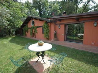 Charming 2 bedroom Farmhouse Barn in Arliano - Arliano vacation rentals