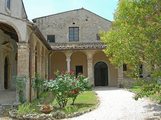 Beautiful 1 bedroom Farmhouse Barn in Lugnano in Teverina - Lugnano in Teverina vacation rentals