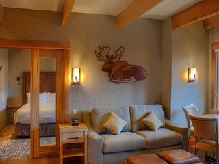 Banff Moose Hotel & Suites Premium Rooftop 2 Bedroom Suite - Brand New - Banff vacation rentals