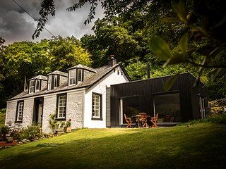 Morelaggan House, Luxury Cottage, Stunning Views - Arrochar vacation rentals