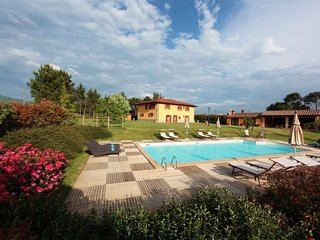 Beautiful 6 bedroom Farmhouse Barn in Bibbiena - Bibbiena vacation rentals