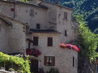 Nice House with Television and Central Heating - Vallo di Nera vacation rentals