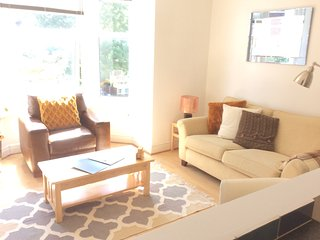 Nice 2 bedroom Portsmouth Apartment with Internet Access - Portsmouth vacation rentals