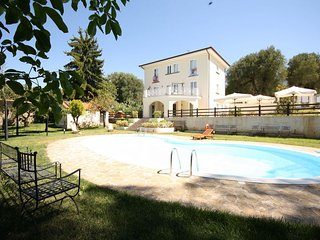 Spacious 4 bedroom Villa in Novi Velia - Novi Velia vacation rentals