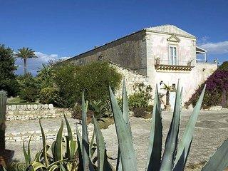 Nice 3 bedroom Villa in Comiso - Comiso vacation rentals