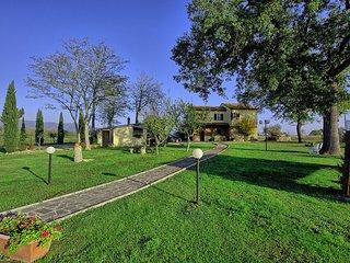 Comfortable 5 bedroom Villa in Vitiano - Vitiano vacation rentals