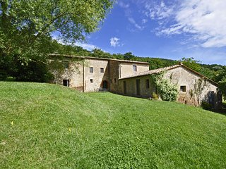 Bright 7 bedroom Villa in Sarteano - Sarteano vacation rentals