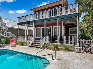BEAUTIFUL 4br home in Seagrove Beach! Pet Friendly! Private Pool!! Sleeps 12! - Santa Rosa Beach vacation rentals