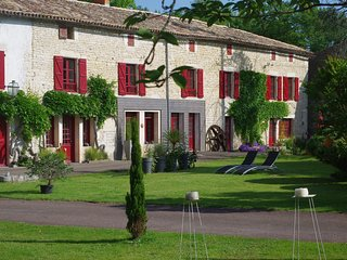 Nice Gite with Internet Access and Wireless Internet - Chef-Boutonne vacation rentals