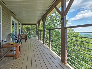 NEW! Pristine 3BR Clayton Cabin w/Mountain Views - Clayton vacation rentals