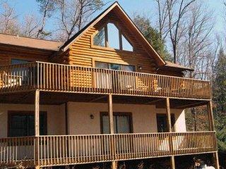 Klco's Kabin- Rumbling Bald Resort - Lake Lure vacation rentals