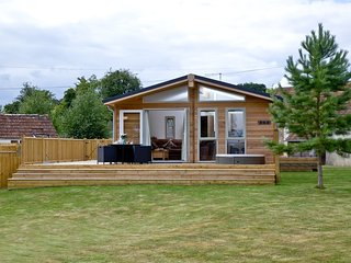 Paws Lodge located in Bradford Abbas, Dorset - Bradford Abbas vacation rentals