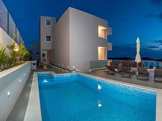 Lovely Villa Matea with pool for 12 people - Primosten vacation rentals