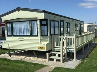 Gold Plus (10) Standard 8 Berth 3 Bedroom - Ingoldmells vacation rentals