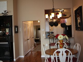 Pottery Barn Perfect Longmont Townhouse - Longmont vacation rentals