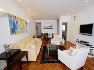 Sophisticate 2 bedrooms 2 bathrooms apt in Arpoador - Best location! - Ipanema vacation rentals