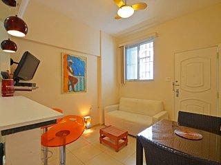Modern 1 bedroom apt in Leme - Ipanema vacation rentals