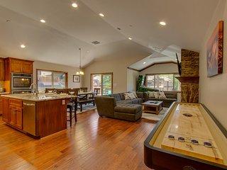 Tahoe Woods Luxury – Shuffleboard, Pinball, Walk to Lake & Heavenly, Wifi, AC - South Lake Tahoe vacation rentals