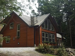 Fern Hollow - A Rain Forest & Ocean Lovers Retreat - Madeira Park vacation rentals