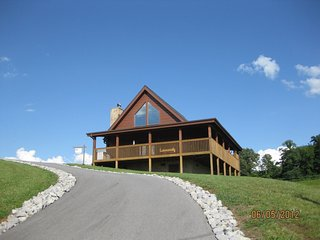 Valley Haven Cabin Close to DollyWood - Pigeon Forge vacation rentals