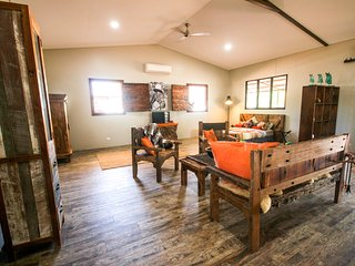 Oakey Downs Retreat - self contained Lodge - Darwin vacation rentals