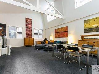 Spacious Melbourne CBD Loft in prime location - Melbourne vacation rentals