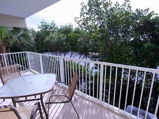 Lovely House with Internet Access and A/C - Ruskin vacation rentals
