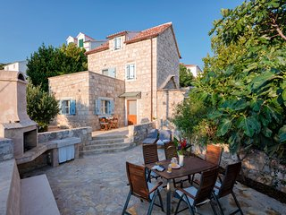 A beautiful traditional stone house with views! - Hvar vacation rentals