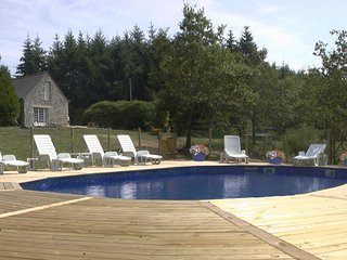 Bonne Chere Family Friendly Cottages, Pool & Spa - Pontivy vacation rentals