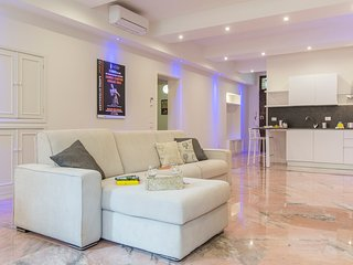 Modern flat in the most charming street of Bologna - Bologna vacation rentals
