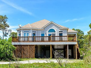 Beautiful Home on the Gulf | Gourmet Kitchen | Elevator | Pet-Friendly! - Dauphin Island vacation rentals