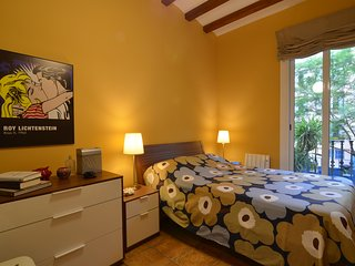 Modern apartment in the heart of Barcelona - Barcelona vacation rentals