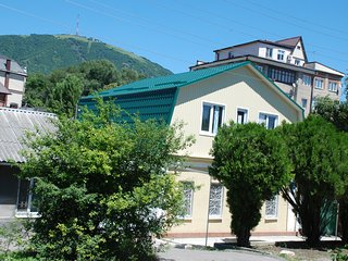 Comfortable 5 bedroom House in Pyatigorsk with Housekeeping Included - Pyatigorsk vacation rentals