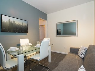 Stylish Creative 3 Bed Pad 21 Mins to Times Square - New York City vacation rentals