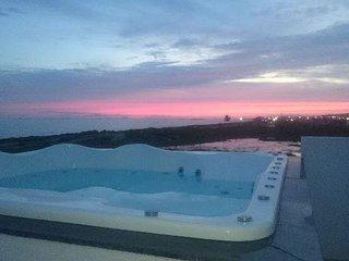 Enseada das Gaivotas, tranquilidade e pé na areia - Rio das Ostras vacation rentals
