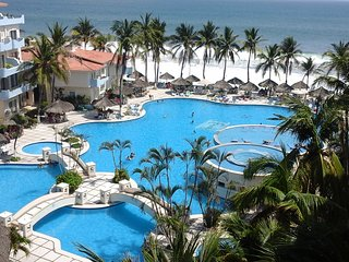 ELEGANCE BLUE   Villa Descanso Hermosa - Manzanillo vacation rentals