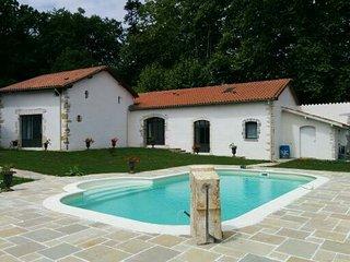 Maison à Bayonne avec piscine dans parc arboré - Bayonne vacation rentals