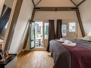 Hot Spot, Fascinating Bed and Breakfast - Amsterdam vacation rentals