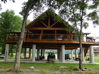 """The Retreat"" on Current River - Van Buren vacation rentals"