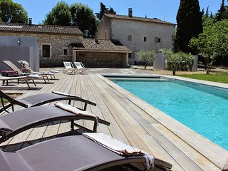 Beautiful Villa with Parking and Washing Machine - Saint-Remy-de-Provence vacation rentals